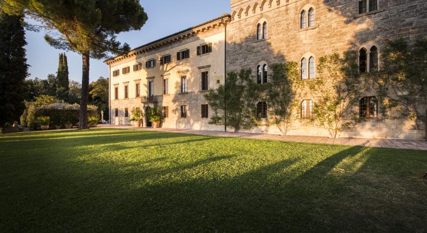 borgo_pignano_l_edifici_de_l_hotel_del_segle_xviii.jpg