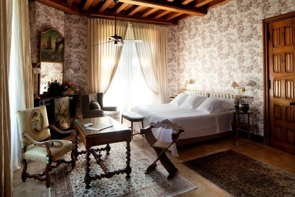 chateau_de_riell.jpg