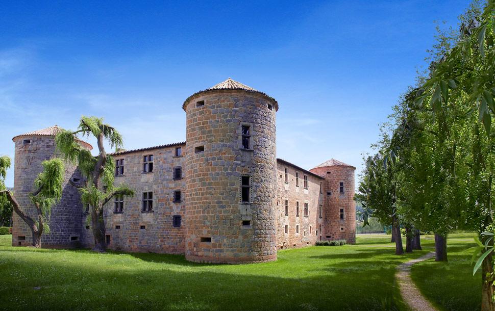chateau_des_ducs_de_joyeuses.jpg