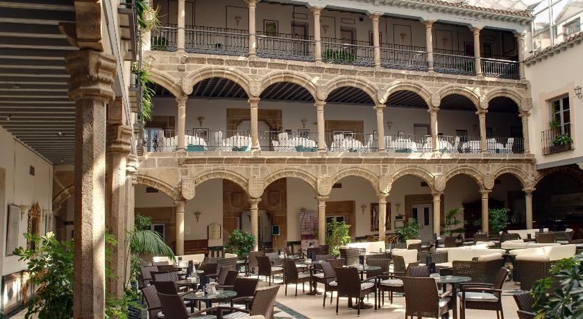 El Palacio de los Velada