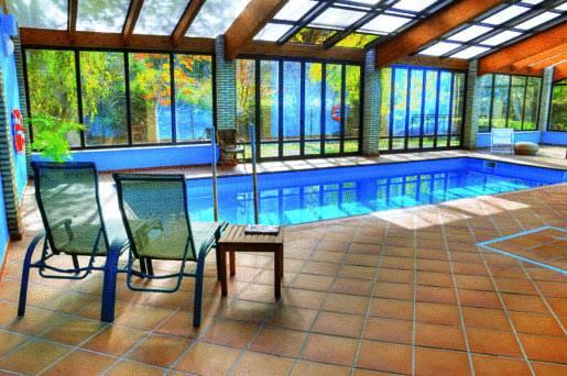 hotel_moli_de_l_hereu_piscina_coberta.jpg