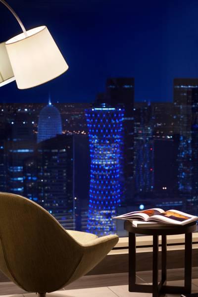 kempinski_residences_suites_vista_nocturna_de_doha_des_de_l_habitacio.jpg