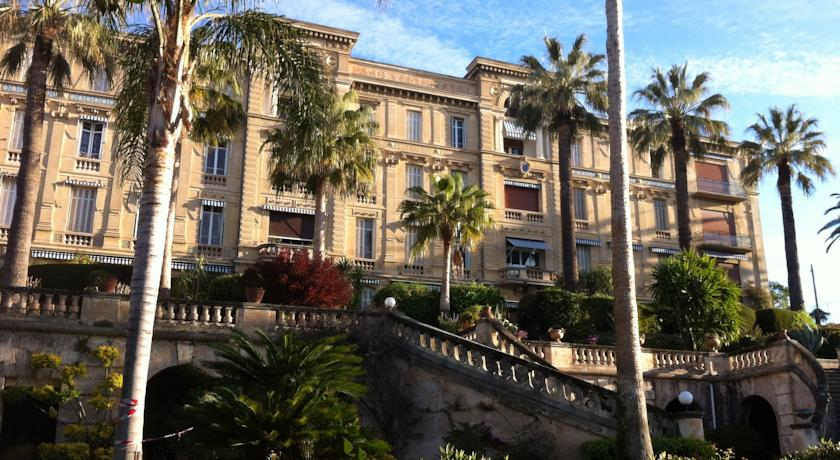 parc_continental_l_edifici_del_grand_hotel_del_segle_xix.jpg