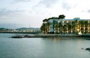 catalonia_ses_estaques_l_hotel_a_tocar_del_passeig_del_port_esportiu.jpg