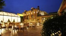 hotel_boutique_real_casona_de_las_amas_la_terrassa_de_nit.jpg