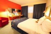 park_inn_by_radisson_cardiff_city_centre[2].jpg